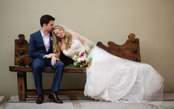 """What You NEED to Know About the """"First Look"""" on your Wedding Day!"""