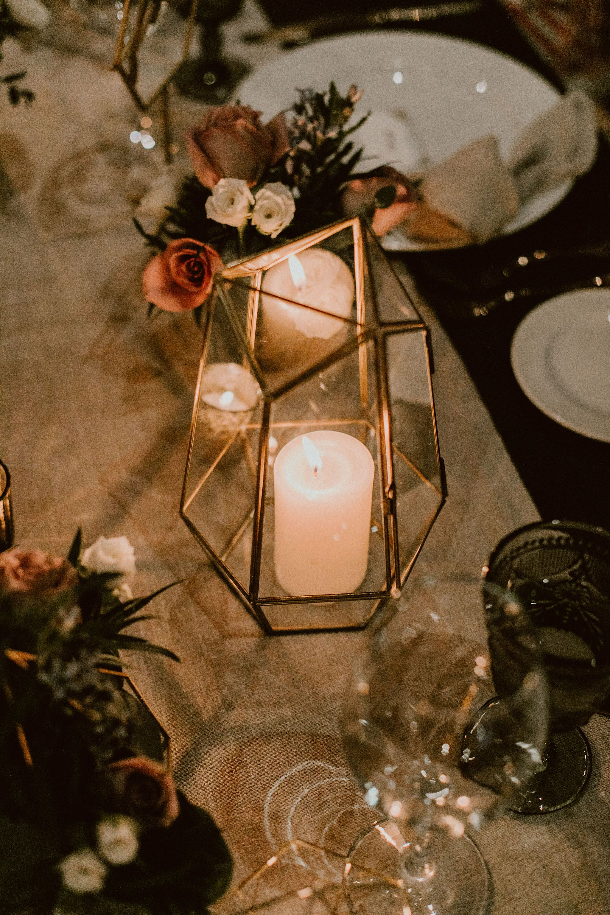 Candles and Flower design by Jesse Wolff at Cabo del Sol Beach Club House, Wedding venue. The Wedding Planning was done by Cabo Wedding Services.