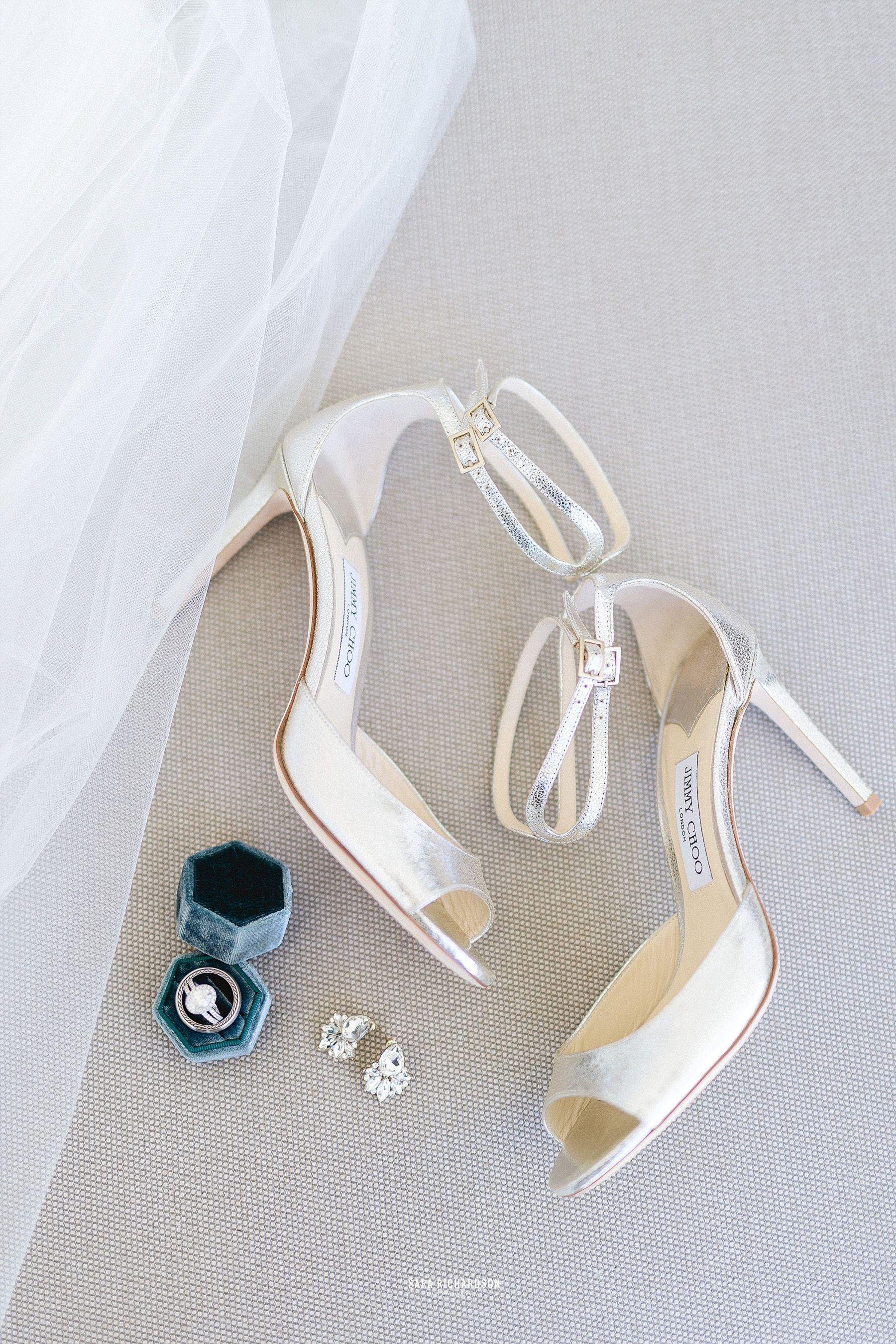 Our Bride Sara, from Scottsdale Arizona, decided to go with Jimmy Choo for her Wedding Shoes. Rocking a Cartier Wedding band, she looked stunning for her groom to be. We were so excited to be part of a such a special Briode's Wedding day!