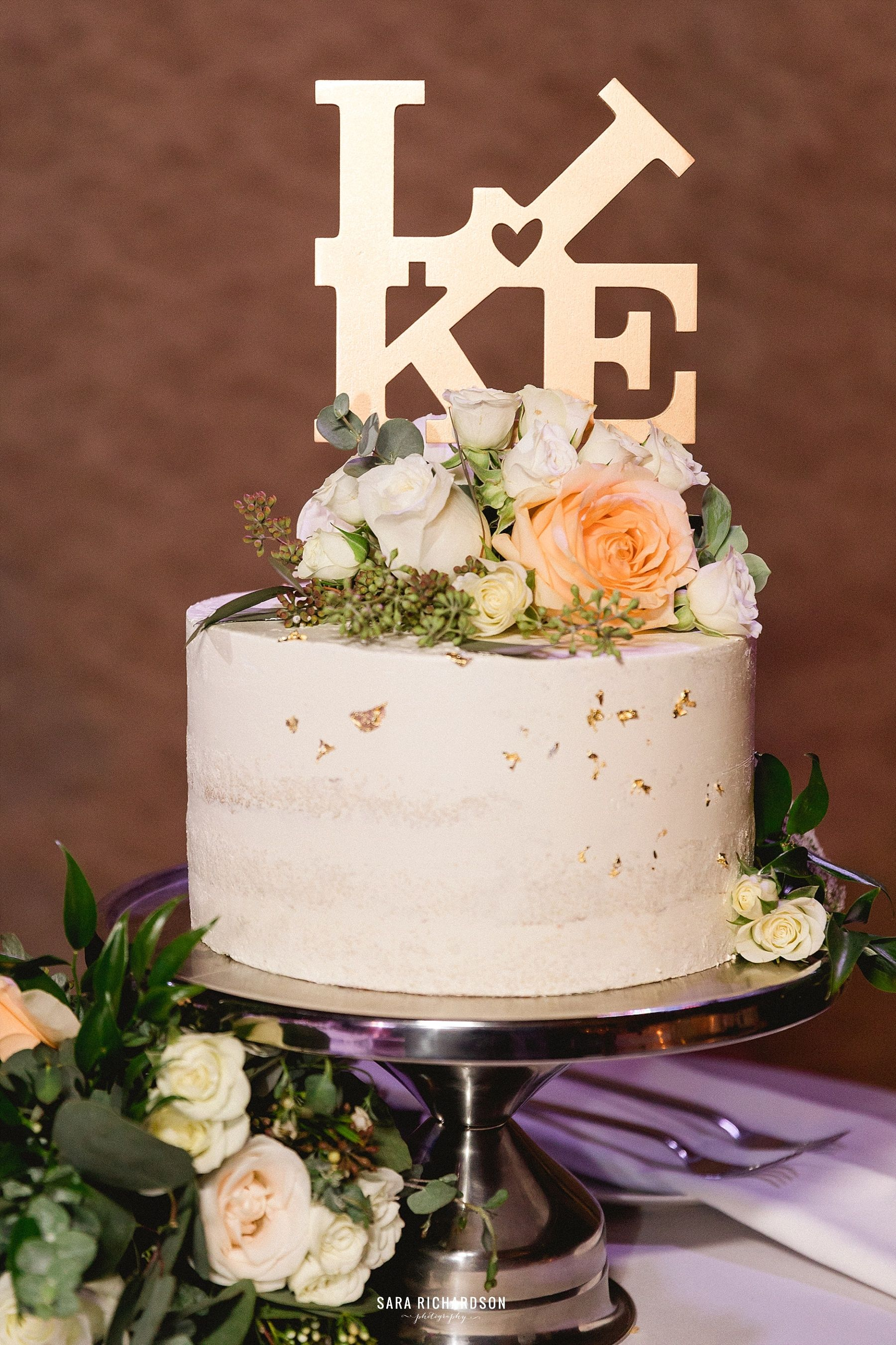 wedding Cake for Eric and Sara. The Wedding took place at LeBlanc in Los Cabos Mexico. Photography was done by Sara Richardson