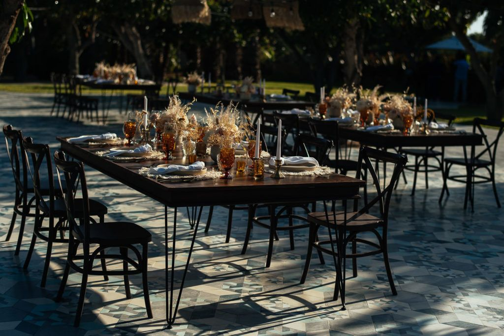 Far shot of table design by Jessica Wolff from Cabo Wedding Services.